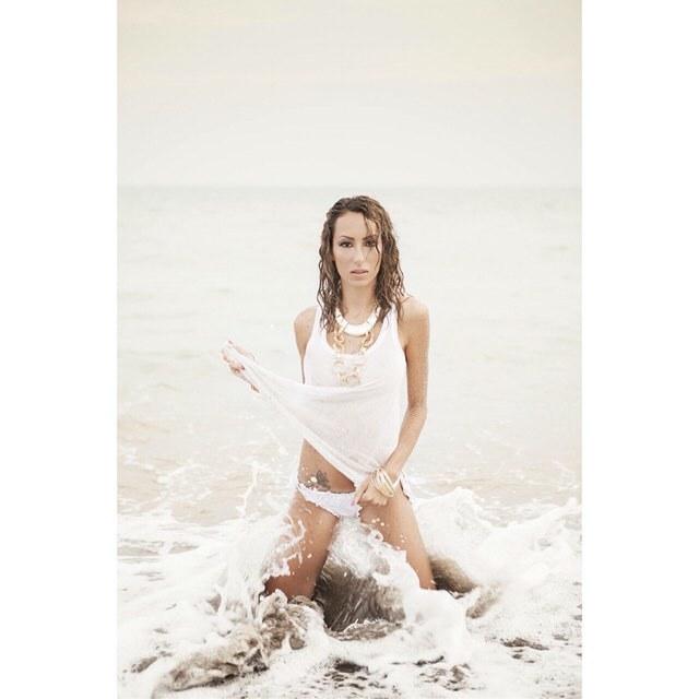 Debora-Jasmine-14