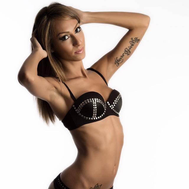 Debora-Jasmine-19