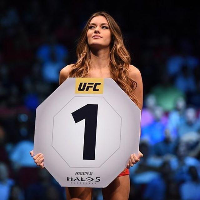 instagram-Vanessa-Hanson-UFC-Octagon-Girl-foto-24