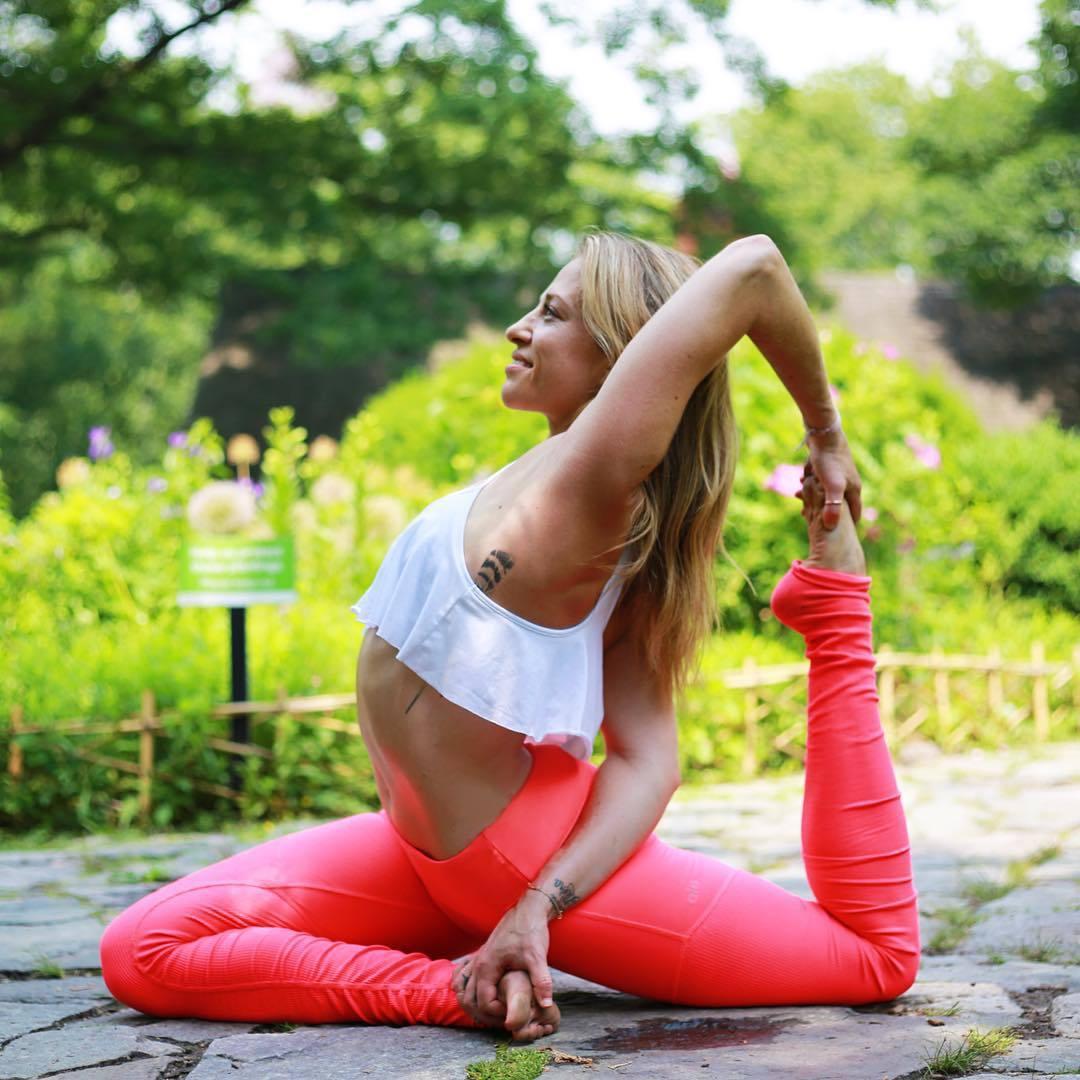 pose-yoga-sesso-foto-11
